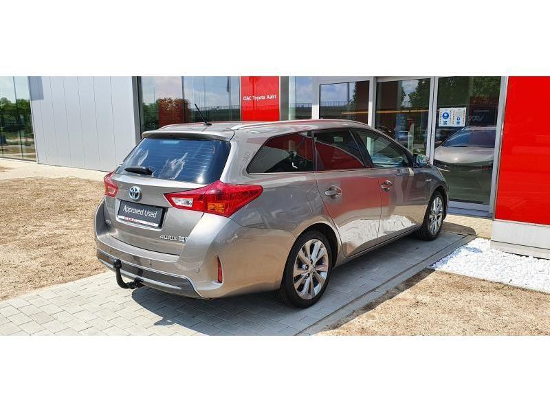 Occasie Toyota Auris Touring Sports 1.8 CVT HSD TC Lounge LHD 2