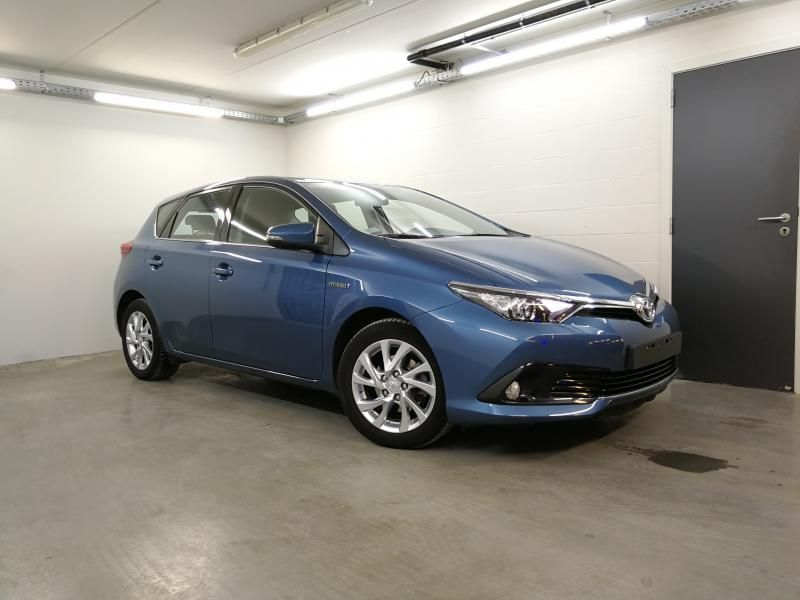 Occasie Toyota Auris 5d. 1.8 CVT HSD TC Dynamic LHD 8U6 - DENIM BLUE METALLIC (8U6) 2