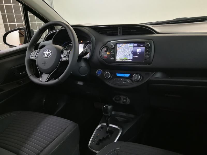 Demo Toyota Yaris 5 d. 1,5 Hybrid e-CVT Comfort & Pack Y-C 1G2 - PLATINIUM BRONZE METALLIC 10