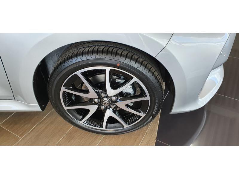 Nieuw Toyota Yaris 5 d. 1.5 Hybrid e-CVT Style LHD 1F7 - ULTRA SILVER METALLIC 6