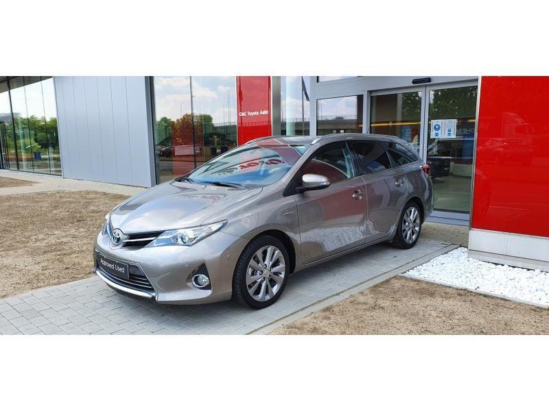 Occasie Toyota Auris Touring Sports 1.8 CVT HSD TC Lounge LHD 1