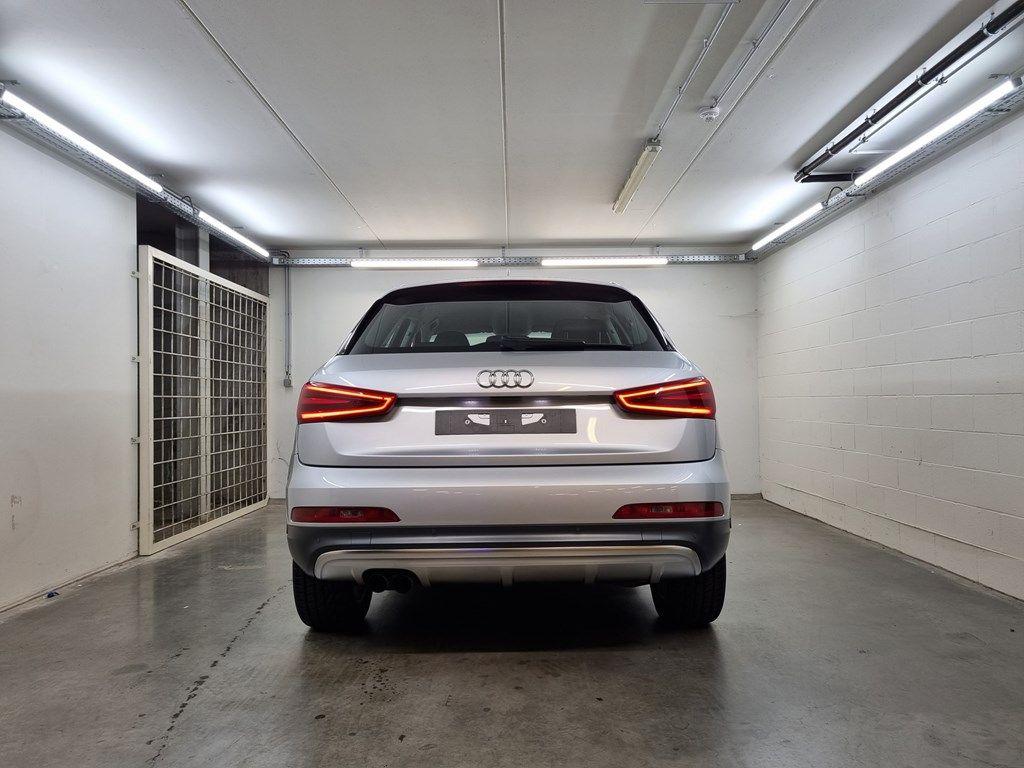 Occasie Audi Q3 . 8