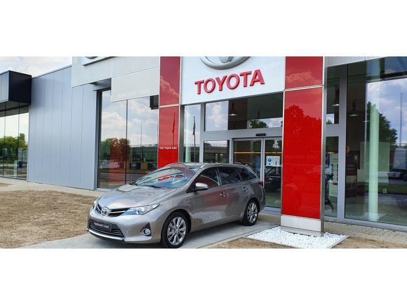 Occasie Toyota Auris Touring Sports 1.8 CVT HSD TC Lounge LHD 5