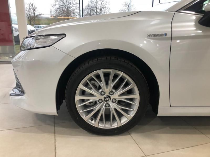 Nieuw Toyota Camry Sedan 2.5 Hybrid e-CVT Premium LHD 089 - WHITE PEARL MC 19
