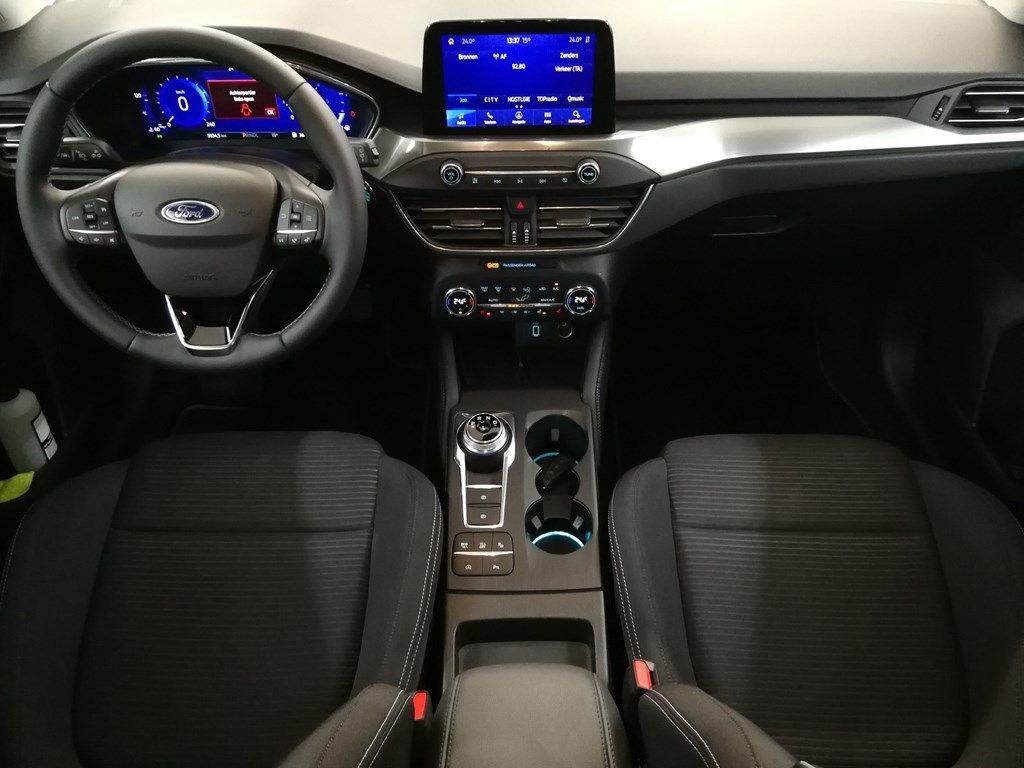 "Demo Ford Focus Tit X 1.5 EcoBlue 120pk A8 CL FCO - ""Moondust Silver"" Metaalkleur 5"