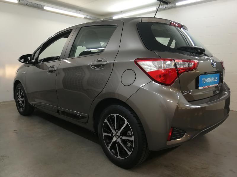 Demo Toyota Yaris 5 d. 1,5 Hybrid e-CVT Comfort & Pack Y-C 1G2 - PLATINIUM BRONZE METALLIC 6