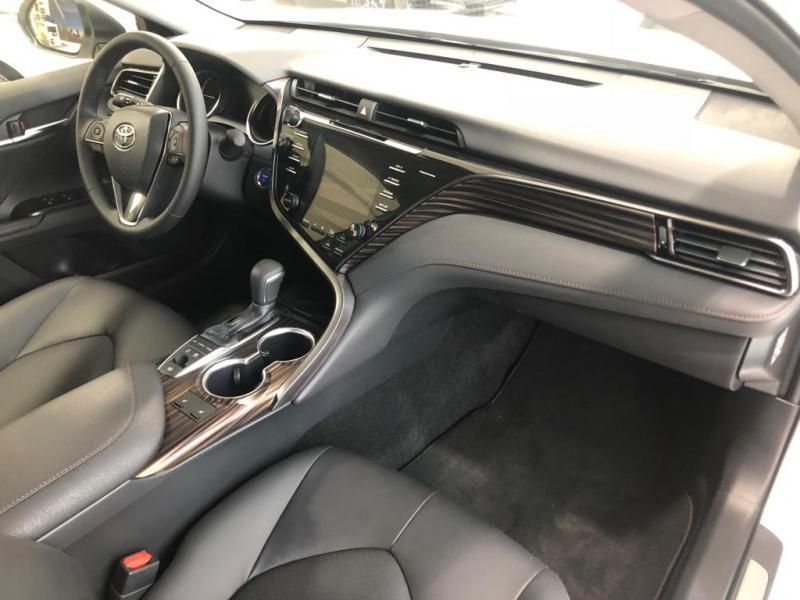 Nieuw Toyota Camry Sedan 2.5 Hybrid e-CVT Premium LHD 089 - WHITE PEARL MC 16