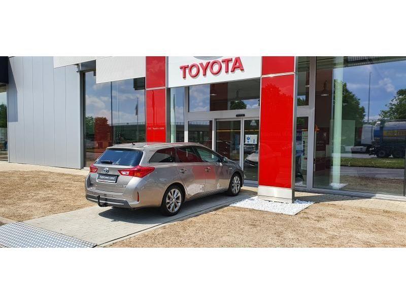 Occasie Toyota Auris Touring Sports 1.8 CVT HSD TC Lounge LHD 4