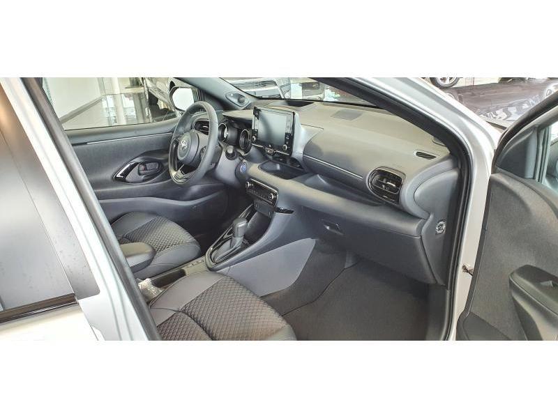 Nieuw Toyota Yaris 5 d. 1.5 Hybrid e-CVT Style LHD 1F7 - ULTRA SILVER METALLIC 9