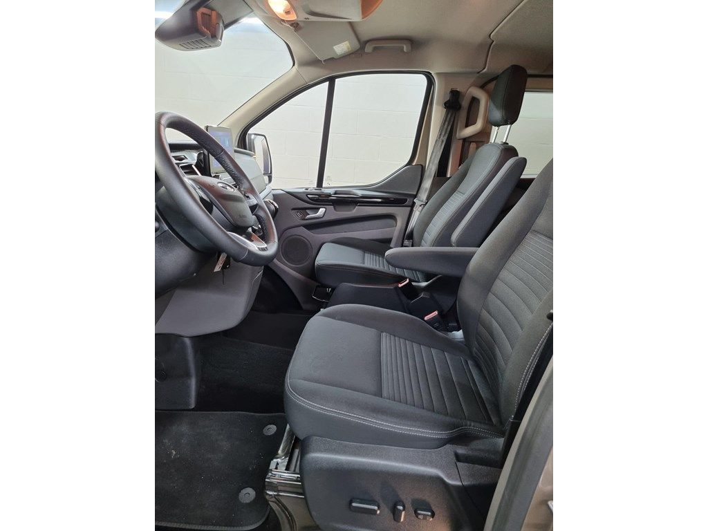Occasie Ford Transit custom 320L Multi use: bestelwagen met dubbele cabine L2 Limited M6 5