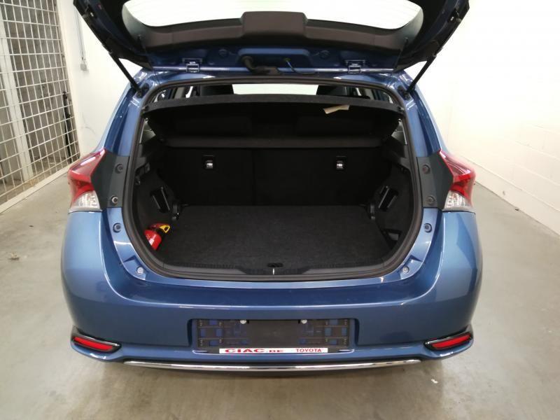 Occasie Toyota Auris 5d. 1.8 CVT HSD TC Dynamic LHD 8U6 - DENIM BLUE METALLIC (8U6) 8