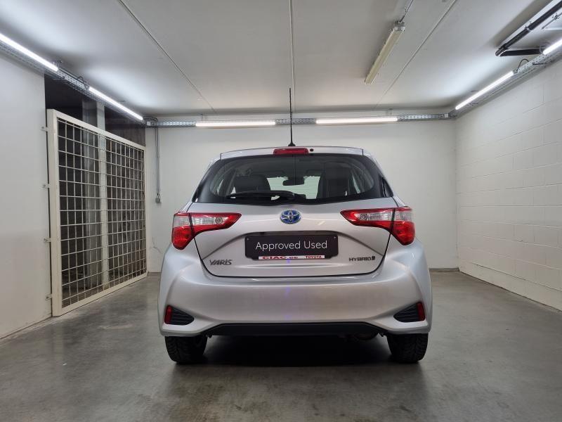 Occasie Toyota Yaris 5 d. 1,5 Hybrid e-CVT Comfort & Pack Y-C 1F7 - ULTRA SILVER METALLIC 7