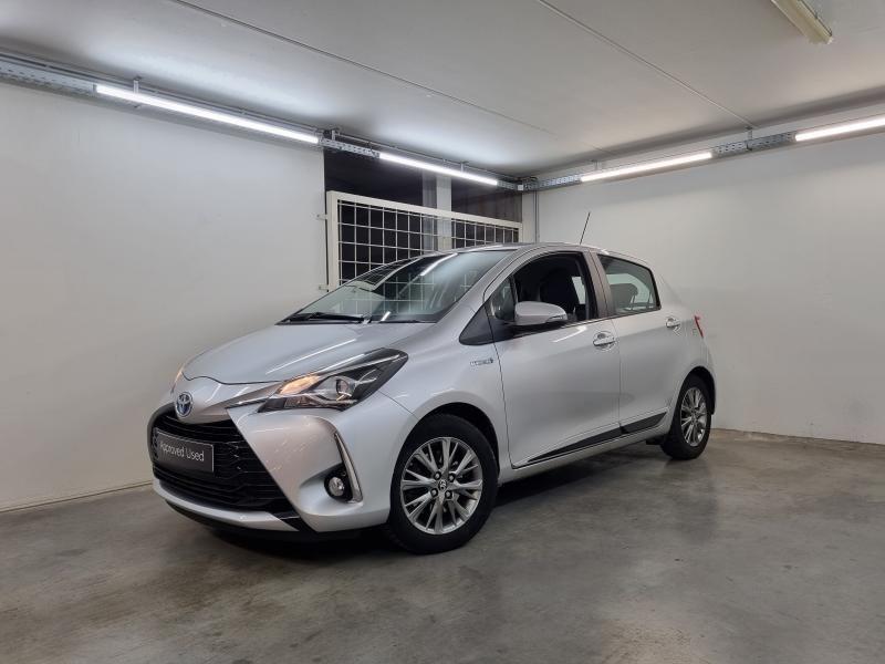 Occasie Toyota Yaris 5 d. 1,5 Hybrid e-CVT Comfort & Pack Y-C 1F7 - ULTRA SILVER METALLIC 1