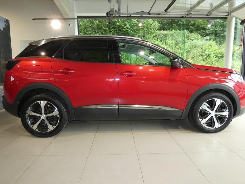 Occasie Peugeot 3008 II Allure Red (RED) 2